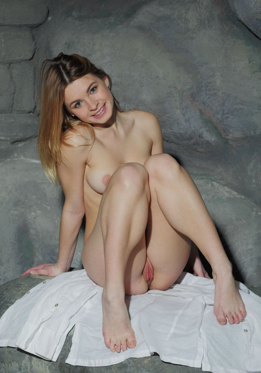 women with hairy legs picture galleries